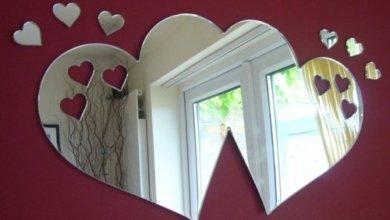legamenti d'amore con lo specchio