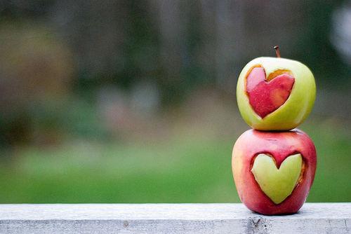 legamento d'amore con la mela